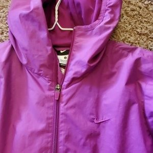 Nike Jackets & Coats - Nike Raincoat light jacket